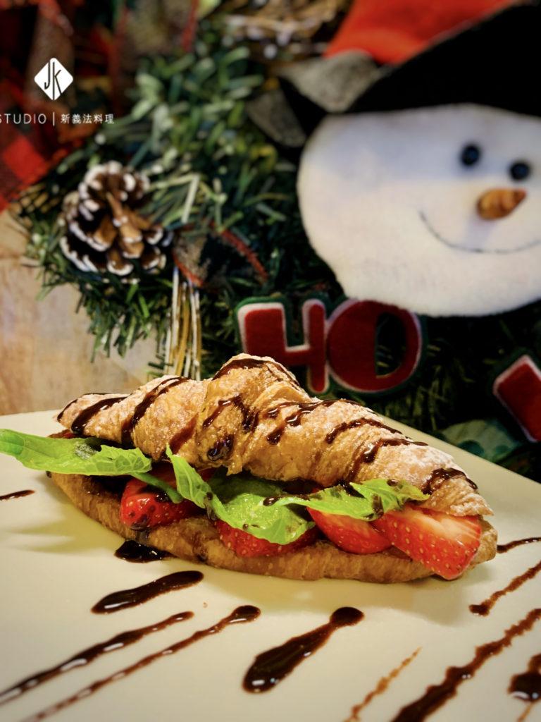 法式可頌佐草莓巧克力 / JK包場專屬預訂甜點
